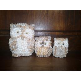 3 Hiboux en coquillages fabriqués aux Philippines Une Famille de Hiboux