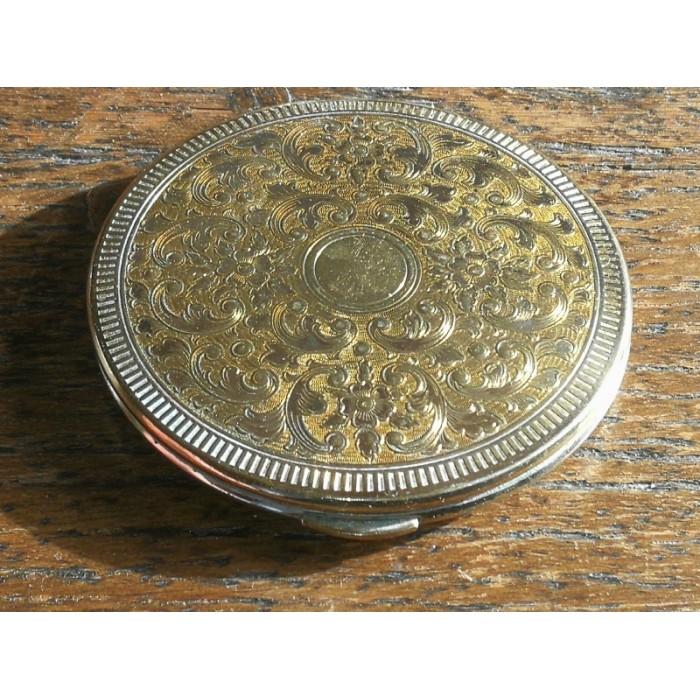 Poudrier ancien rond kigu en laiton
