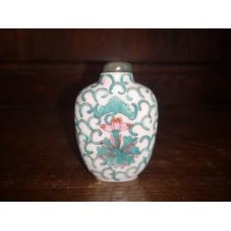 Tabatière ren porcelaine chinoise ancienne à décor de fleur de lotus