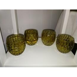 4 verres de couleur jaune