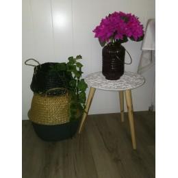 Vase en verre mauve