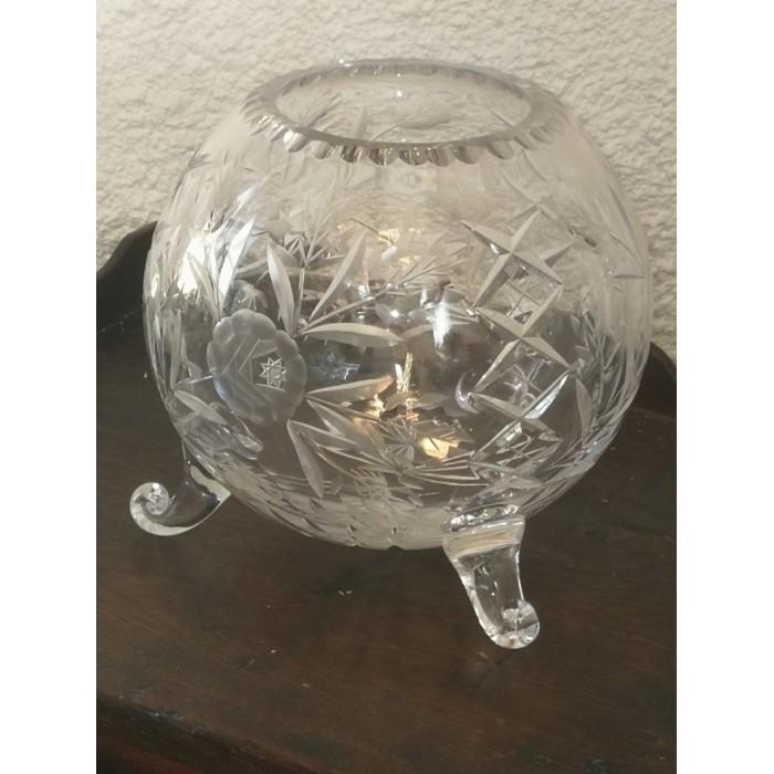 Vase boule tripode en cristal taillé