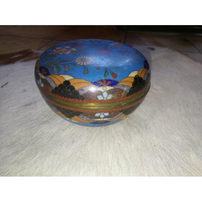 Pot rond ou boîte ronde en bronze cloisonné de Chine fin XIXéme début XXème siècle