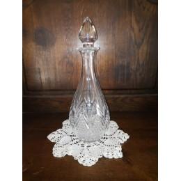 Carafe olive en cristal taillé à décor pointe de diamants